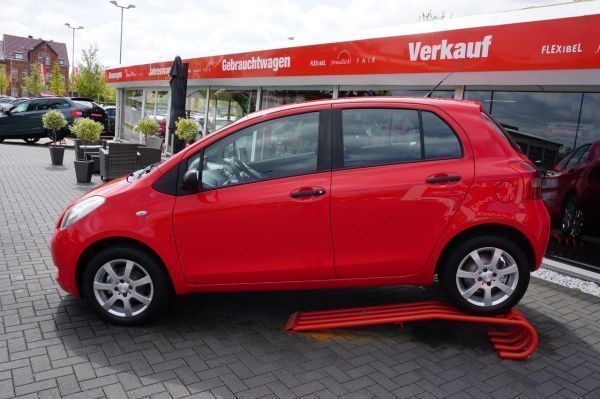 gebraucht Toyota Yaris 1.0 VVT-i Cool KLIMA ALU