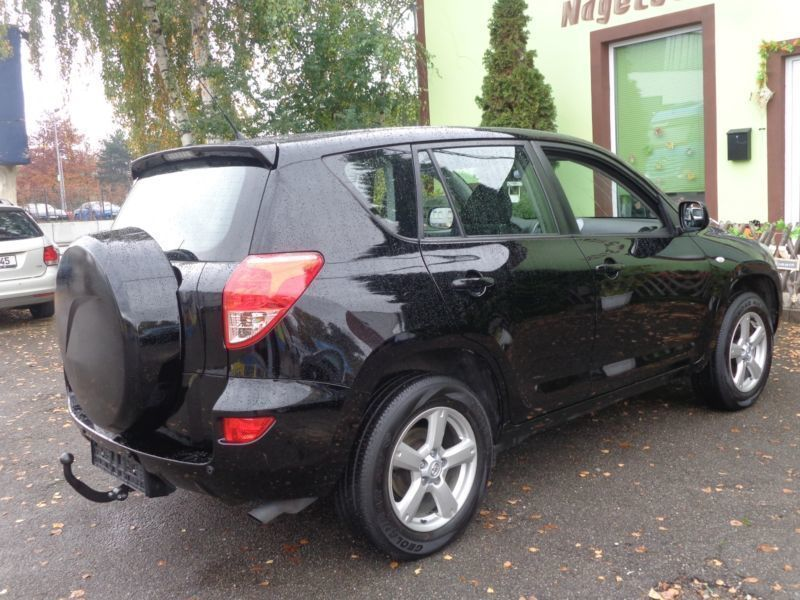 verkauft toyota rav4 2 0 4x4 automatik gebraucht 2006 km in hamburg hammerbrook. Black Bedroom Furniture Sets. Home Design Ideas