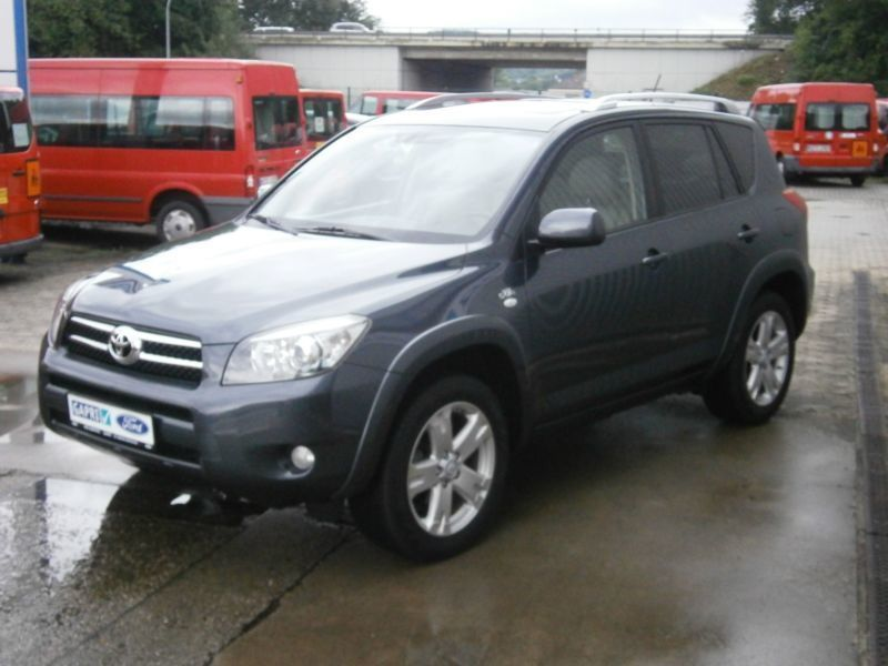 verkauft toyota rav4 executive gebraucht 2006 km in sinzig. Black Bedroom Furniture Sets. Home Design Ideas