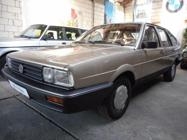 verkauft vw passat cl 32b limousine gebraucht 1986 km in berlin. Black Bedroom Furniture Sets. Home Design Ideas