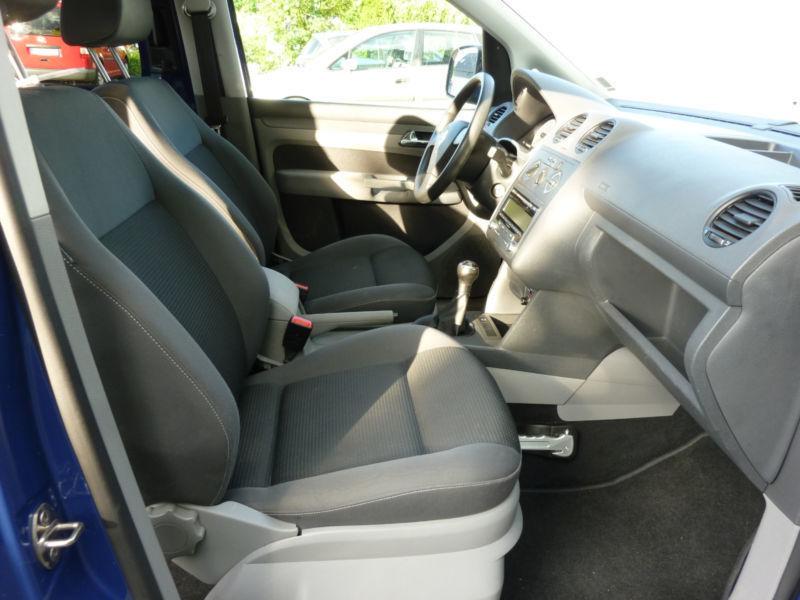 verkauft vw caddy kombi life team klima gebraucht 2010 km in bornheim. Black Bedroom Furniture Sets. Home Design Ideas