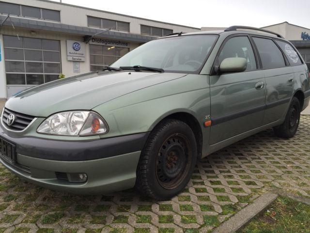 Verkauft Toyota Avensis 2.0 Combi line., gebraucht 2002, 178.000 km in