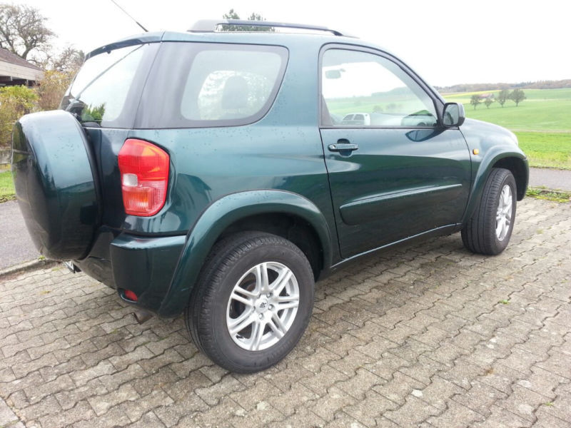 gebraucht 4x4 toyota rav4 2001 km in schlier autouncle. Black Bedroom Furniture Sets. Home Design Ideas