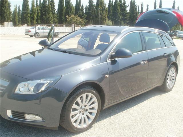 verkauft opel insignia sports tourer 2 gebraucht 2011 km in reutlingen. Black Bedroom Furniture Sets. Home Design Ideas