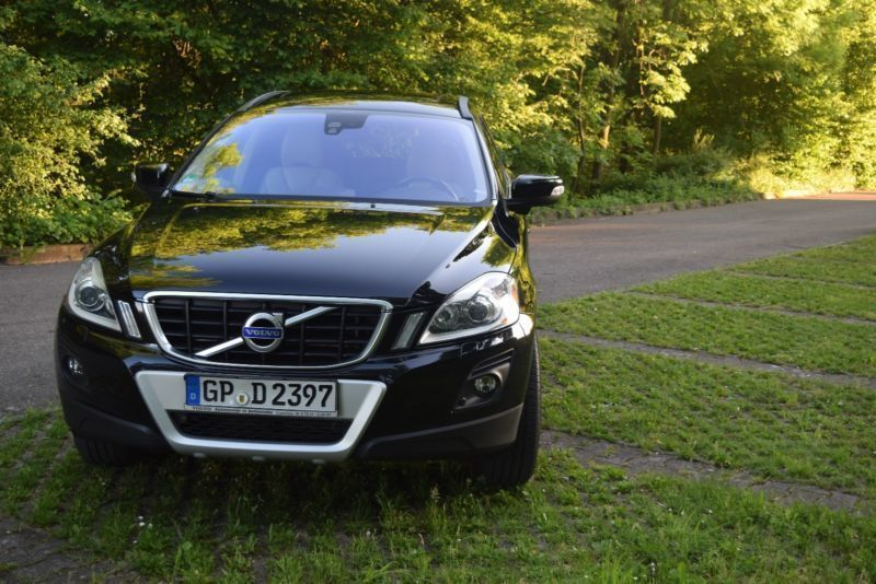 verkauft volvo xc60 d5 awd aut summum gebraucht 2009 km in uhingen. Black Bedroom Furniture Sets. Home Design Ideas