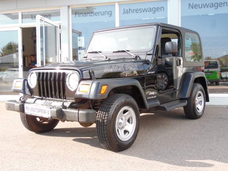verkauft jeep wrangler 2 4 sport gebraucht 2003 km in rhoden. Black Bedroom Furniture Sets. Home Design Ideas