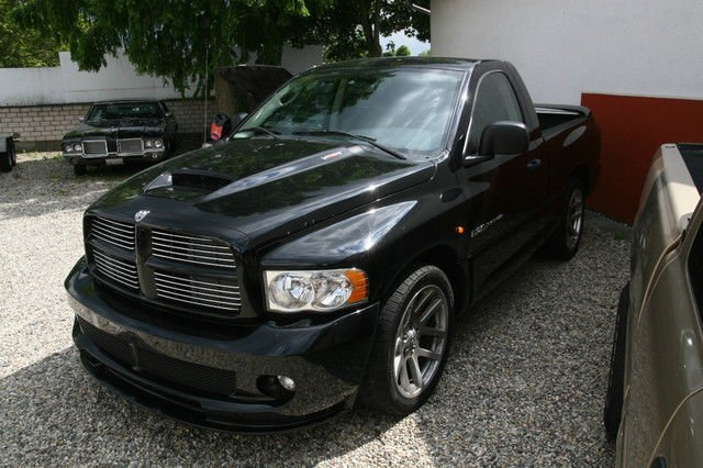 verkauft dodge ram laramie 4x4 hemi 5 gebraucht 2005 km in m lheim. Black Bedroom Furniture Sets. Home Design Ideas
