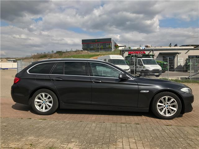 verkauft bmw 525 5er touring aut gebraucht 2010 km in sinsheim. Black Bedroom Furniture Sets. Home Design Ideas