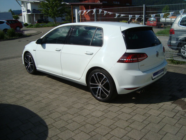 verkauft vw golf gtd 18 nogaro rear k gebraucht 2014 km in ohlsbach. Black Bedroom Furniture Sets. Home Design Ideas