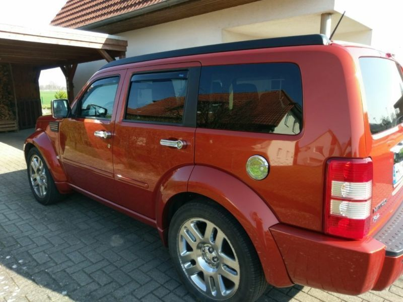 verkauft dodge nitro 2 8 crd sondermod gebraucht 2008 km in hamburg. Black Bedroom Furniture Sets. Home Design Ideas