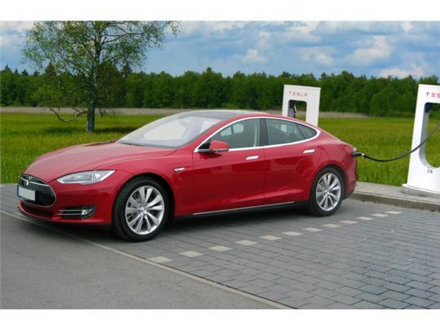 verkauft tesla model s gebraucht 2014 km in. Black Bedroom Furniture Sets. Home Design Ideas