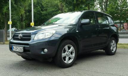 verkauft toyota rav4 2 0 4x4 automatik gebraucht 2007 km in w rzburg. Black Bedroom Furniture Sets. Home Design Ideas