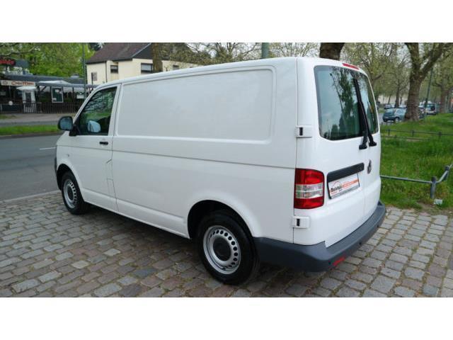 verkauft vw transporter t5 klima pdc gebraucht 2010 km in berlin. Black Bedroom Furniture Sets. Home Design Ideas