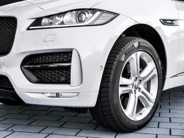 f pace gebrauchte jaguar f pace kaufen 205 g nstige autos zum verkauf. Black Bedroom Furniture Sets. Home Design Ideas