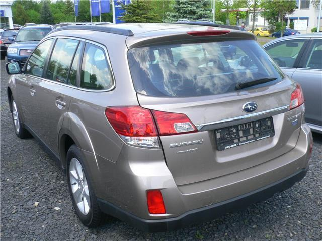 verkauft subaru outback 2 0d lineartro gebraucht 2013 km in hamburg. Black Bedroom Furniture Sets. Home Design Ideas