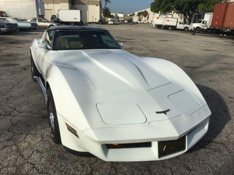 c3 gebrauchte corvette c3 kaufen 49 g nstige autos zum. Black Bedroom Furniture Sets. Home Design Ideas