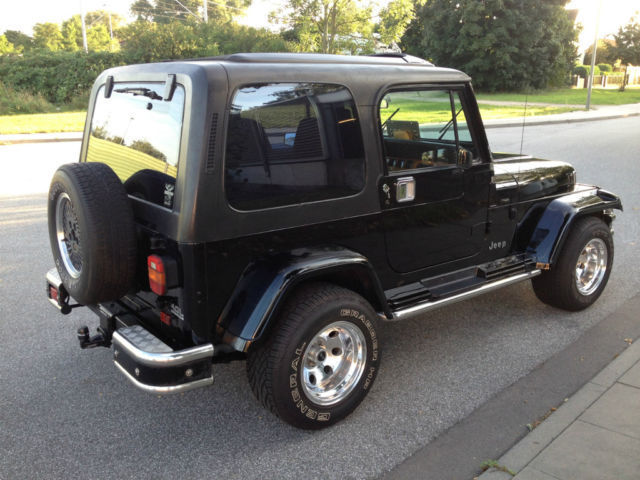 verkauft jeep wrangler broadway 4 0 gebraucht 1992 km in hamburg. Black Bedroom Furniture Sets. Home Design Ideas