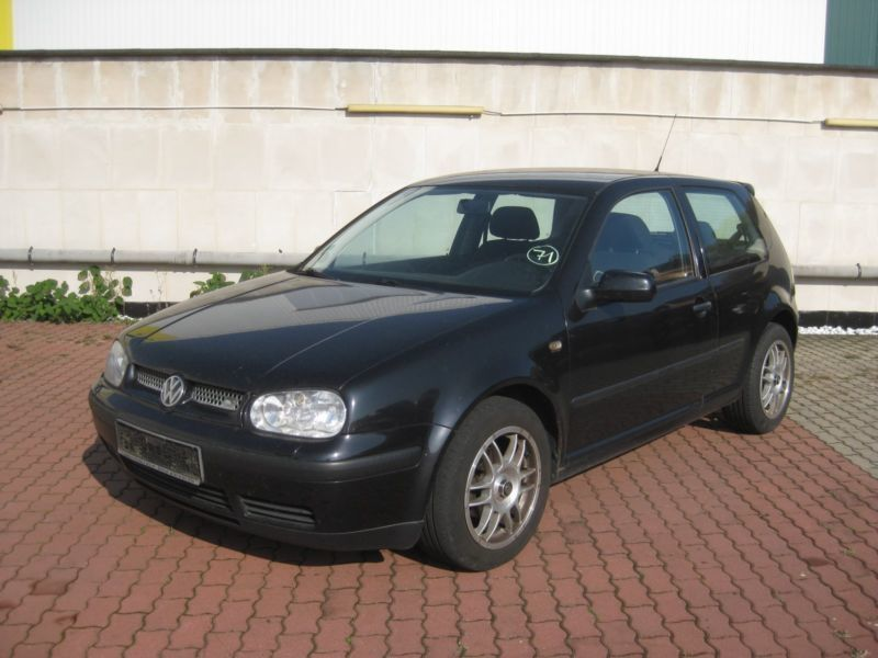 verkauft vw golf iv vw4 1 4 16v gebraucht 1999 km in erkrath. Black Bedroom Furniture Sets. Home Design Ideas