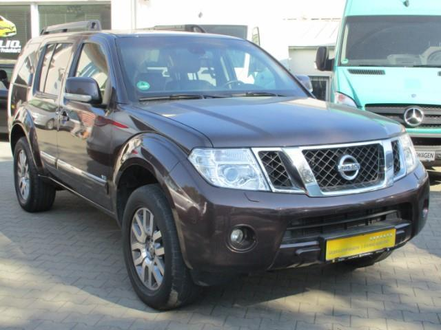gebraucht 3 0 dci v6 le 1 hand leder navi keyless nissan pathfinder 2012 km in berlin. Black Bedroom Furniture Sets. Home Design Ideas
