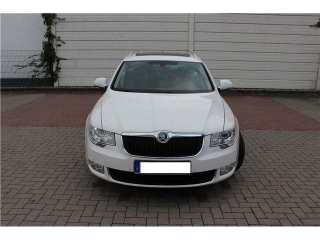 verkauft skoda superb combi 2 0 tdi dsg gebraucht 2012 km in norderstedt. Black Bedroom Furniture Sets. Home Design Ideas