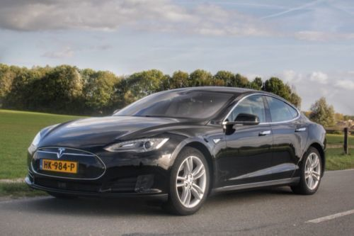 verkauft tesla model s 70 gebraucht 2015 km in goch. Black Bedroom Furniture Sets. Home Design Ideas