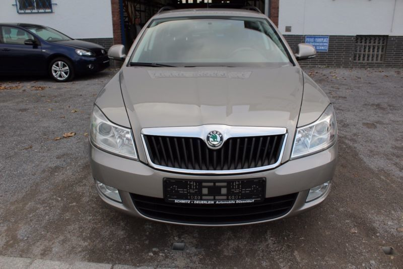 verkauft skoda octavia combi 1 8 tsi a gebraucht 2010 km in d sseldorf. Black Bedroom Furniture Sets. Home Design Ideas