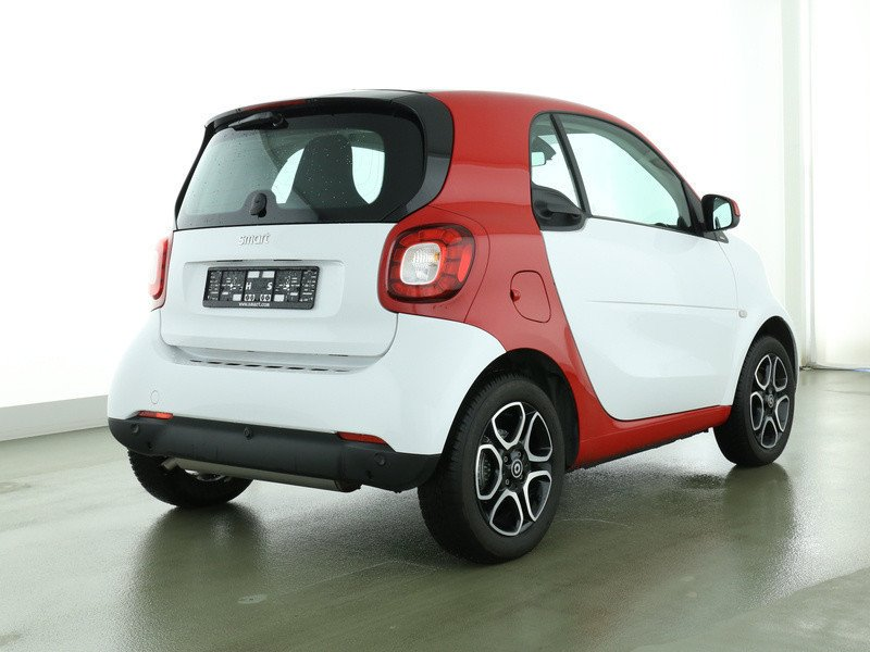 verkauft smart fortwo coup 52kw passi gebraucht 2016 km in bad homburg. Black Bedroom Furniture Sets. Home Design Ideas