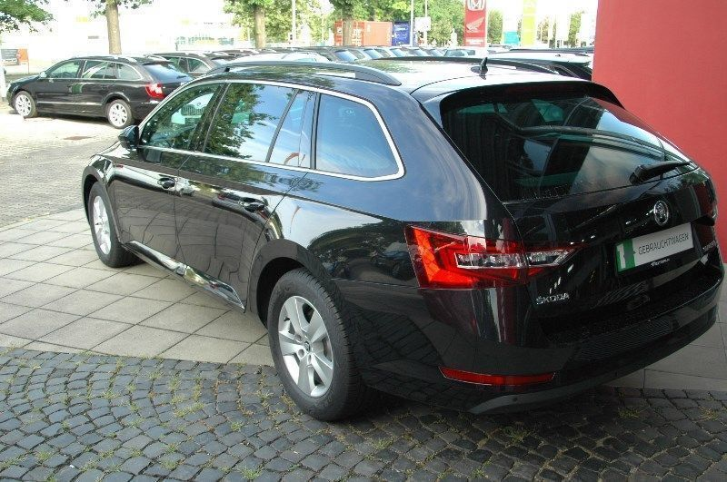 verkauft skoda superb combi 2 0 tdi ds gebraucht 2016 km in freiburg. Black Bedroom Furniture Sets. Home Design Ideas