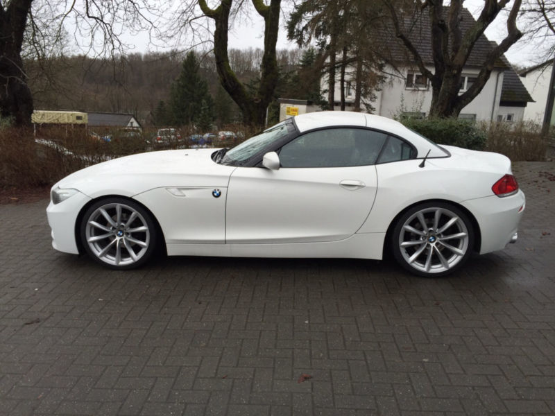 verkauft bmw z4 sdrive23i gebraucht 2011 km in ingolstadt. Black Bedroom Furniture Sets. Home Design Ideas