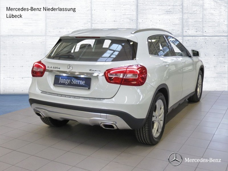 verkauft mercedes gla220 d 4matic spor gebraucht 2015 km in l beck. Black Bedroom Furniture Sets. Home Design Ideas