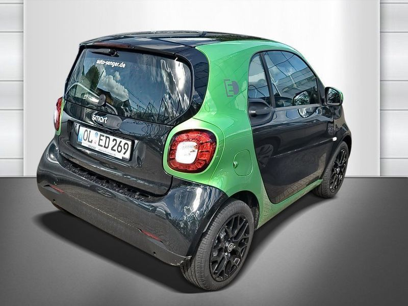 smart fortwo electric drive el 82 ps 2017 oldenburg. Black Bedroom Furniture Sets. Home Design Ideas
