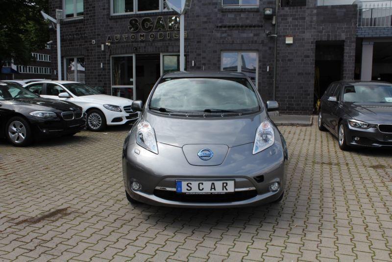 leaf gebrauchte nissan leaf kaufen 238 g nstige autos zum verkauf. Black Bedroom Furniture Sets. Home Design Ideas