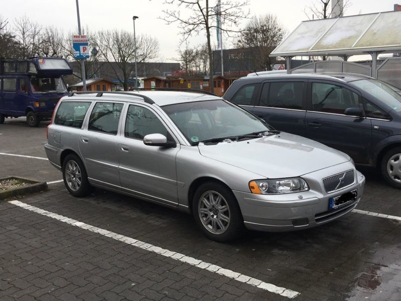 verkauft volvo v70 d5 dpf aut gebraucht 2007 km. Black Bedroom Furniture Sets. Home Design Ideas