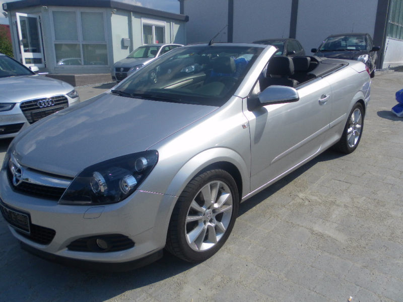 verkauft opel astra cabriolet twintop gebraucht 2006 km in krauchenwies. Black Bedroom Furniture Sets. Home Design Ideas