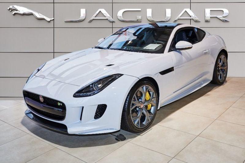 verkauft jaguar f type r coupe awd kar gebraucht 2016 km in deggendorf fische. Black Bedroom Furniture Sets. Home Design Ideas
