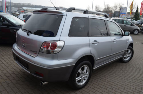 verkauft mitsubishi outlander 2 4 auto gebraucht 2004 km in bad doberan. Black Bedroom Furniture Sets. Home Design Ideas