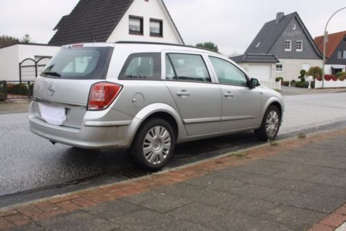 gebraucht caravan kombi opel astra 2009 km in bremerhaven. Black Bedroom Furniture Sets. Home Design Ideas