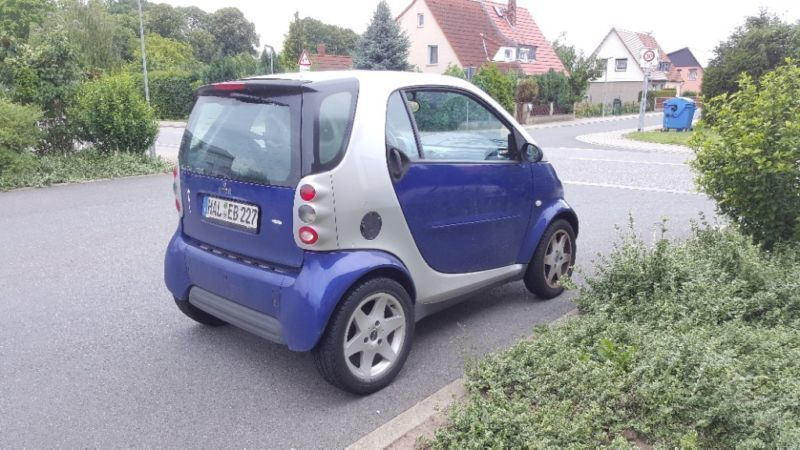 verkauft smart fortwo coup gebraucht 2001 km in halle. Black Bedroom Furniture Sets. Home Design Ideas