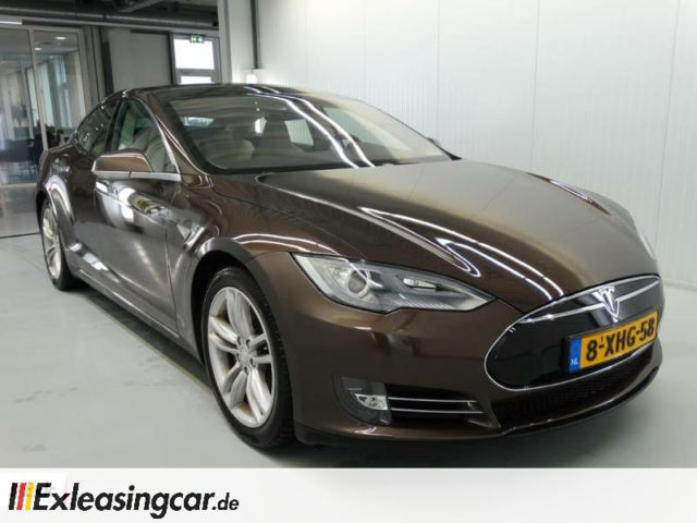 verkauft tesla model s gebraucht 2014 km in willich. Black Bedroom Furniture Sets. Home Design Ideas