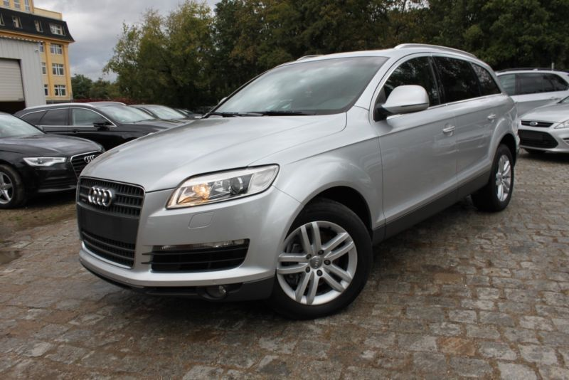 verkauft audi q7 3 0 tdi dpf quattro t gebraucht 2007 km in berlin. Black Bedroom Furniture Sets. Home Design Ideas
