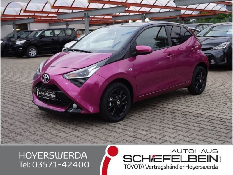 verkauft toyota aygo x cite magenta gebraucht 2018 1. Black Bedroom Furniture Sets. Home Design Ideas