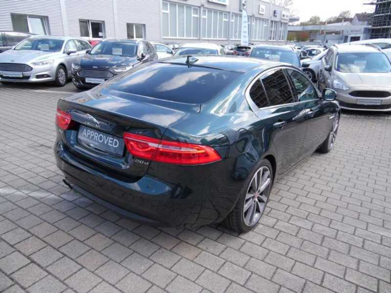 verkauft jaguar xe portfolio aut gebraucht 2015 km in wunsiedel. Black Bedroom Furniture Sets. Home Design Ideas