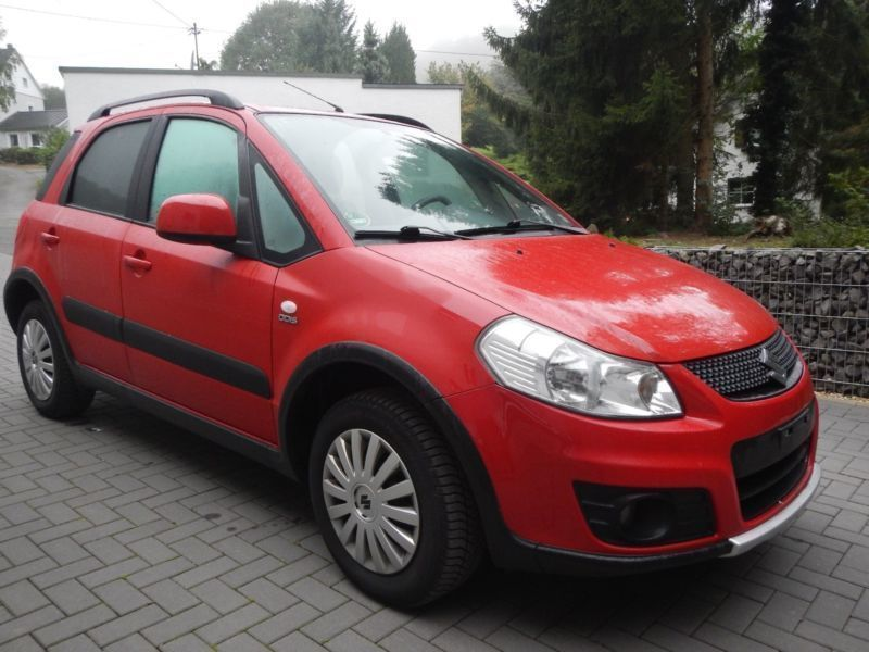 verkauft suzuki sx4 2 0 ddis 4x4 style gebraucht 2011 km in trimbs. Black Bedroom Furniture Sets. Home Design Ideas