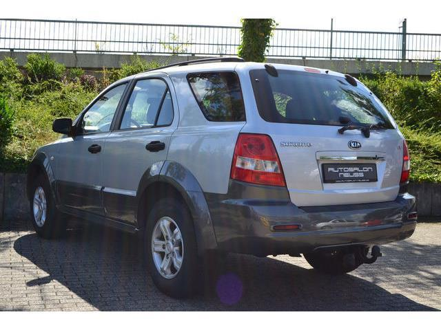 verkauft kia sorento 2 5 crdi lx 1 han gebraucht 2006 km in neuss. Black Bedroom Furniture Sets. Home Design Ideas
