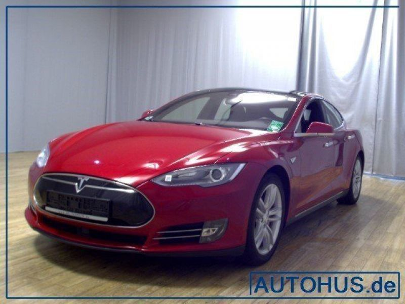 verkauft tesla model s p85d allrad aut gebraucht 2015. Black Bedroom Furniture Sets. Home Design Ideas