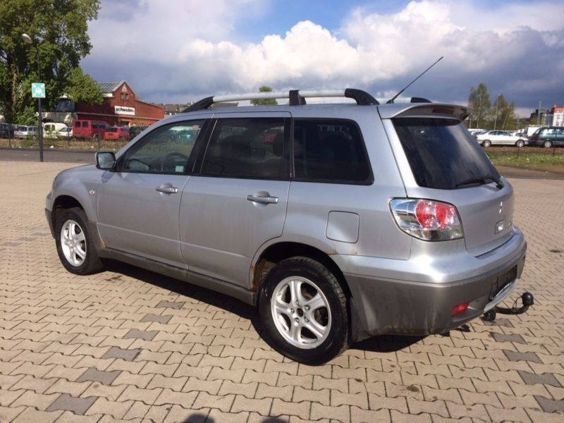 verkauft mitsubishi outlander 2 0 gebraucht 2003 km in westheim. Black Bedroom Furniture Sets. Home Design Ideas