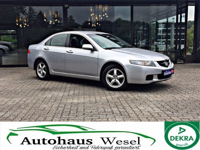 verkauft honda accord 2 0 i automatik gebraucht 2004 km in hamburg. Black Bedroom Furniture Sets. Home Design Ideas