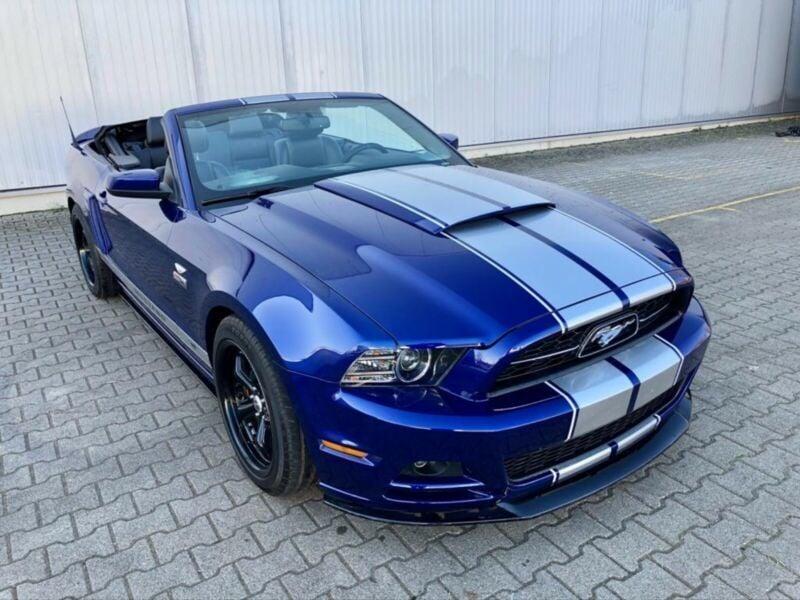 Verkauft Ford Mustang 3,7 Cabrio Autom., gebraucht 2013, 70.000 km in Walldürn