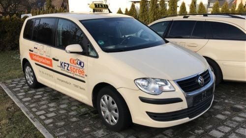 gebraucht 2 0 tdi united vw touran 2009 km in. Black Bedroom Furniture Sets. Home Design Ideas