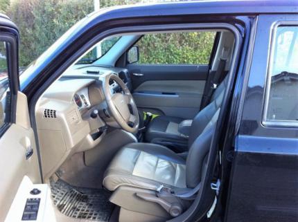 verkauft jeep patriot 2 4 gebraucht 2009 km in illmensee. Black Bedroom Furniture Sets. Home Design Ideas